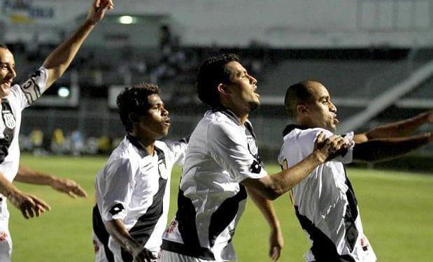 Renatinho, Ricardo Jesus e Ricardinho formaram o ataque da Ponte Preta no Dérbi de 2011, no Moisés Lucarelli. Foto: Reprodução/Facebook
