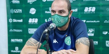 Técnico Allan Aal lamentou a falta de volume de jogo do Bugre - Foto: Thomaz Marostegan/Guarani FC