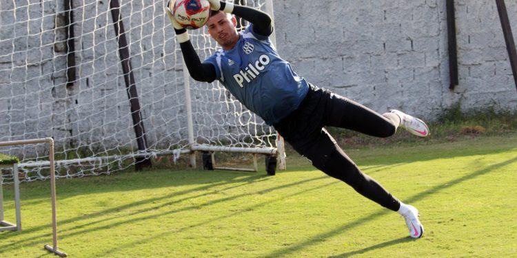 A Ponte promoveu mudanças na lista de inscritos e acrescentou o nome do goleiro Ivan. Foto: Ponte Press/Diego Almeida