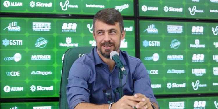 Michel Alves fez elogios à experiência do atual elenco do Guarani. Thomaz Marostegan/Guarani FC