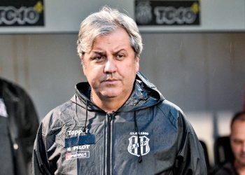 Kleina retorna à Macaca pouco mais de um ano depois de ser demitido pelo clube. Foto: Ponte Press/Álvaro Jr.