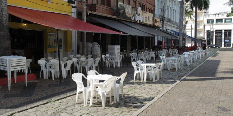 Comércio na região central de Campinas. Flexibilização mais ampla começa em junho. Foto: leandro Ferreira \ Hora Campinas