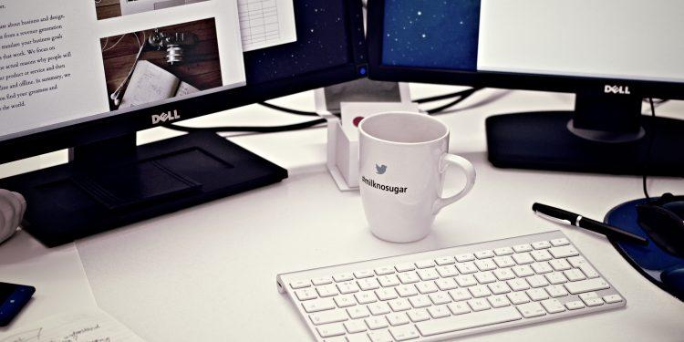 Segundo a pesquisa, 64,8% dos brasileiros que fazem home office pretendem continuar trabalhando de casa. Foto: Pixabay/Divulgação