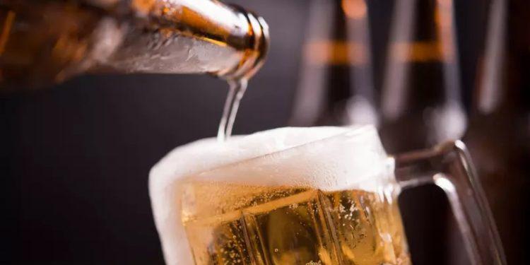 O brasileiro consome em média seis litros de cerveja por mês. Foto: Divulgação