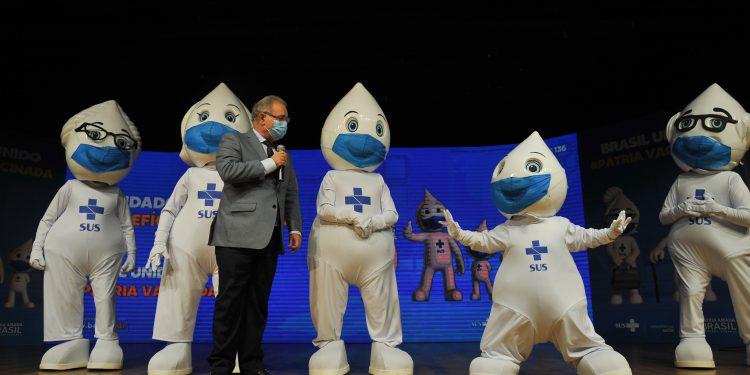 O ministro da Saúde, Marcelo Queiroga em cerimônia de lançamento da Campanha de Vacinação contra a Covid-19 Foto: Agência Brasil