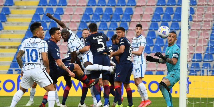 A Inter havia vencido o Crotone no sábado por 2 x 0. Foto: Reprodução/Twitter