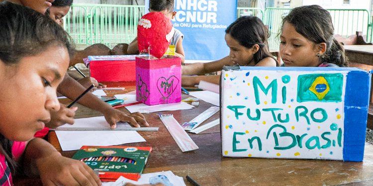 Crianças venezuelanas em abrigo instalado em Roraima, no ter do Brasil. Foto: Divulgação \ Joca