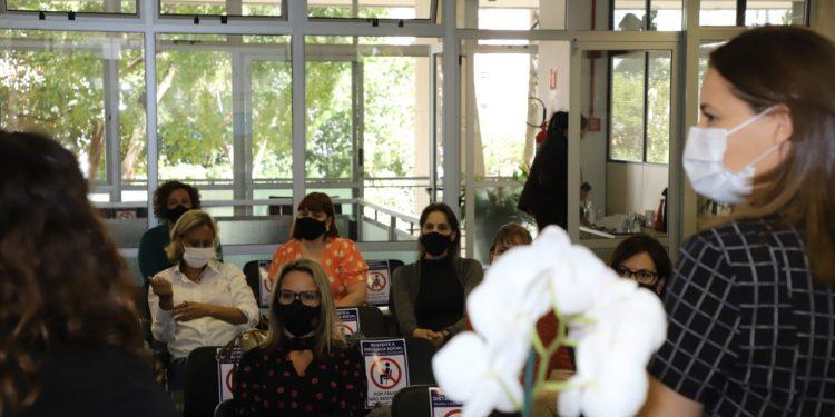 Reunião do grupo de trabalho que definiu estratégias contra violência doméstica. Foto: Divulgação \ PMC