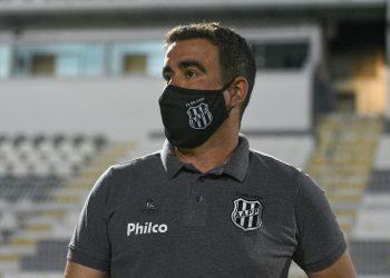 Fabinho Moreno comandou a equipe pouco mais de cinco meses, com 44,4% de aproveitamento. Foto: Álvaro Jr. \ Ponte Press