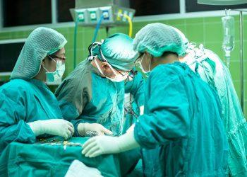 O cancelamento de cirurgias eletivas pela pandemia ajudou a aumentar a quantidade de procedimentos de urgência. Foto: Pixabay/Divulgação