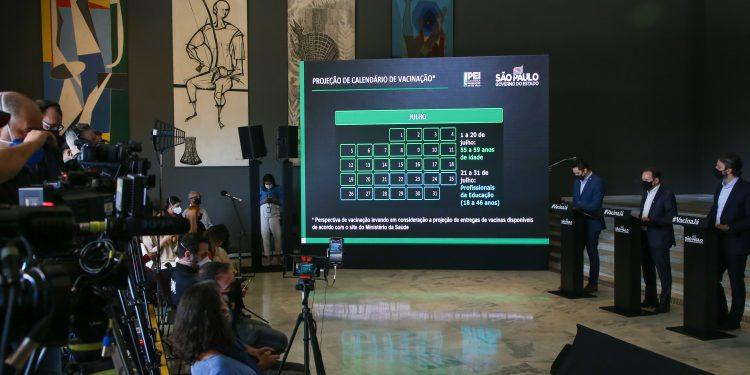 Coletiva de imprensa em que o governo anuncia alterações no Plano SP. Foto: Divulgação