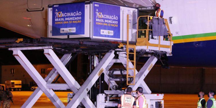 Chegada das vacinas da  AstraZeneca/Oxford ao Brasil. Foto: Fernando Frazão/Agência Brasil