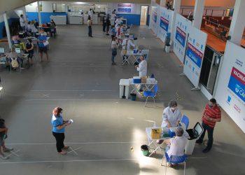 Posto de vacinação instalado no Centro de Vivência do Idoso em Campinas. Foto: Leandro Ferreira \ Hora Campinas.