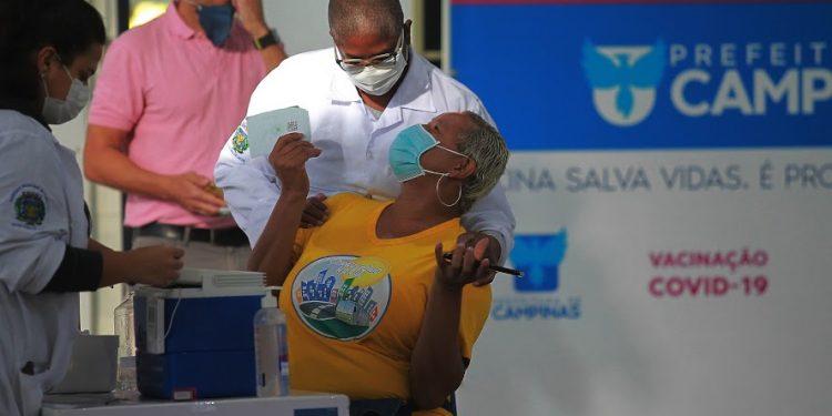 O agendamento para a vacinação do novo grupo será aberto nesta quarta-feira (5). Foto: Leandro Ferreira/Hora Campinas