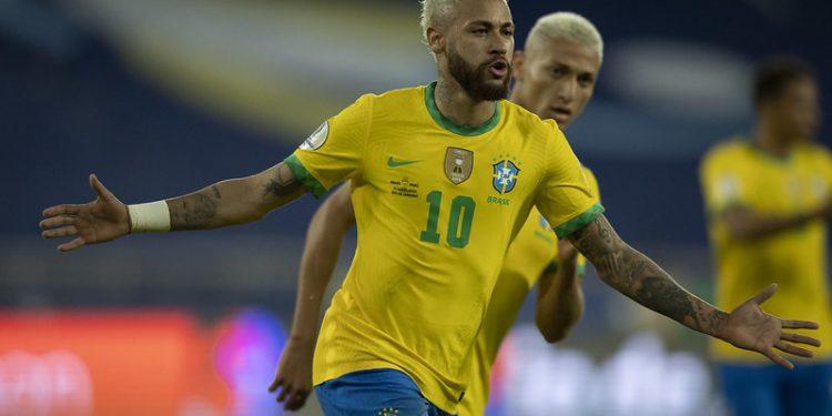 Neymar comemora o segundo gol do Brasil na partida contra o Peru. Foto: CBF/Divulgação