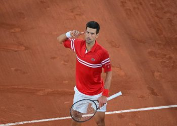 O sérvio Djokovic perdeu os primeiros cinco games da partida da semifinal. Foto: Roland Garros/Divulgação