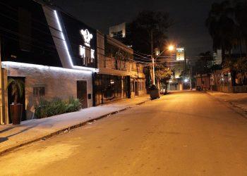 O horário reduzido de funcionamento limita o faturamente de bares a restaurantes a 20%. Foto: Leandro Ferreira/Hora Campinas