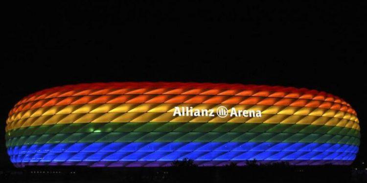Munique pretendia iluminar a Allianz Arena com as cores do arco-íris. Foto: Reprodução