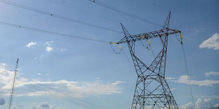A Aneel decidiu em reunião elevar mais uma vez os custos da energia elétrica aos consumidores - Foto: Fábio Rodrigues Pozzebom/Agência Brasil