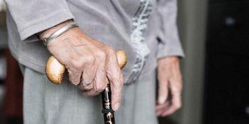 Acidentes domésticos com idosos: é fundamental que a casa seja um ambiente seguro, principalmente neste momento de isolamento social - Foto: Pixabay