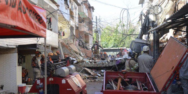 Prédio de quatro andares desabou na zona oeste do Rio de Janeiro na última quinta-feira - Foto: Tomaz Silva/Agência Brasil