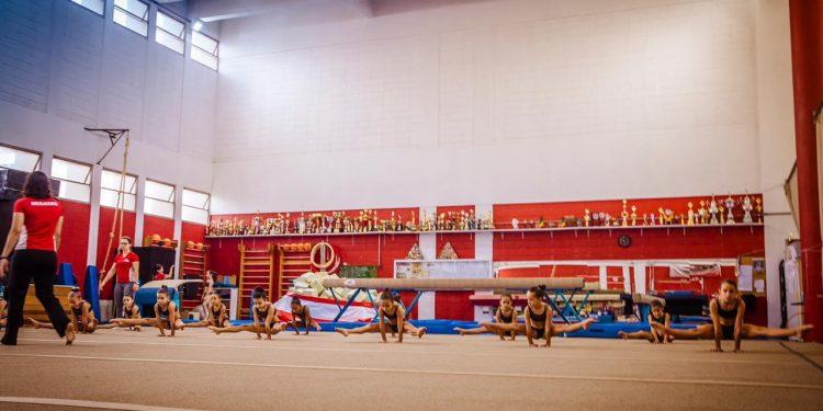 O departamento de ginástica artística do regatas conta com cerca de 80 atletas. Foto: Divulgação