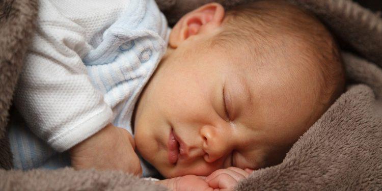 No período mais frio do ano, os cuidados com os recém-nascidos devem ser redobrados, orientam especialistas - Foto: Divulgação/Pixabay