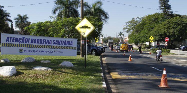 Barreira sanitária instalada em uma das entradas da cidade de Jaguariúna. Foto: Divulgação