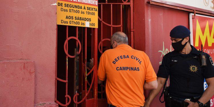 Ações contra aglomeração e vistoria de estabelecimentos foram realizados ao longo do final de semana. Foto \ Arquivo-PMC