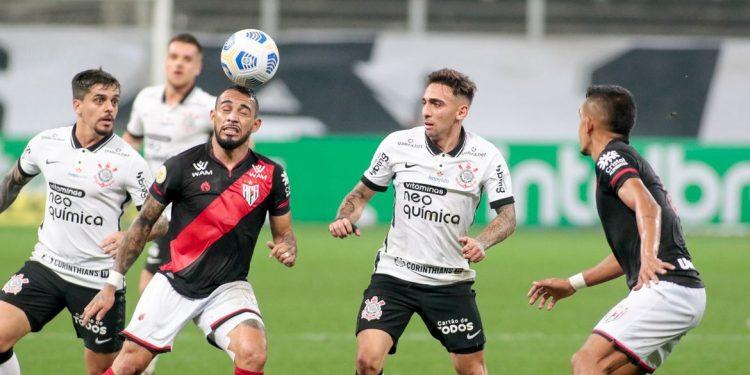 Lance da partida entre Corinthians e Atlético-GO, na Neo Química Arena. Foto \ AB