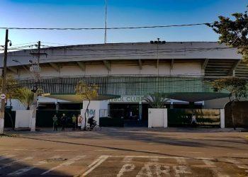 Fachada do estádio Brinco de Ouro, que será palco do eletrizante Dérbi 200 - Foto: Leandro Ferreira/Hora Campinas