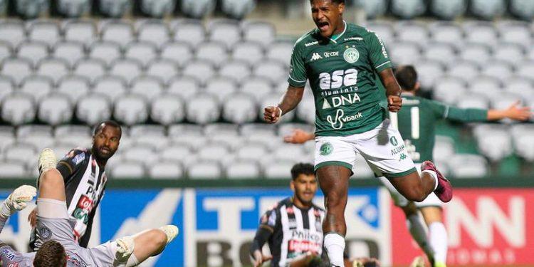 O meio campista Rodrigo Andrade, que foi um dos destaques da vitória por 5 a 2 sobre o Operário-PR. Foto: Thomaz Marostegan/Guarani FC
