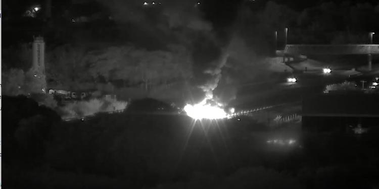 Fogo na rodovia Zeferino Vaz, durante protesto de comunidades indígenas Foto: Divulgação