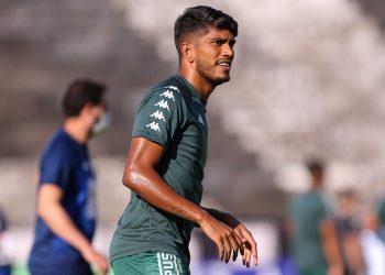 O volante Índio, que foi sondado pelo Cruzeiro, mas deverá permanecer no Guarani. Foto: Thomaz Marostegan/Guarani FC
