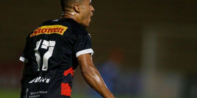Ex-atacante da Ponte, João Victor comemora gol pelo Ituano. Foto: Fernando Roberto/Ituano FC