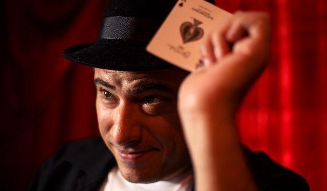O mágico Alejandro Muniz - Foto: Divulgação