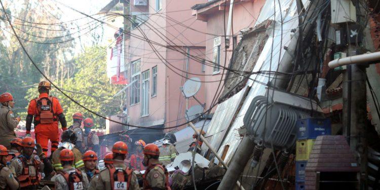 Duas pessoas morreram e quatro ficaram feridas no desabamento do prédio em Rio das Pedras. Foto: PMR/Divulgação
