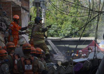 Prédio de quatro andares, que desabou em Rio das Pedras, zona oeste do Rio de Janeiro. Foto: Agência Brasil