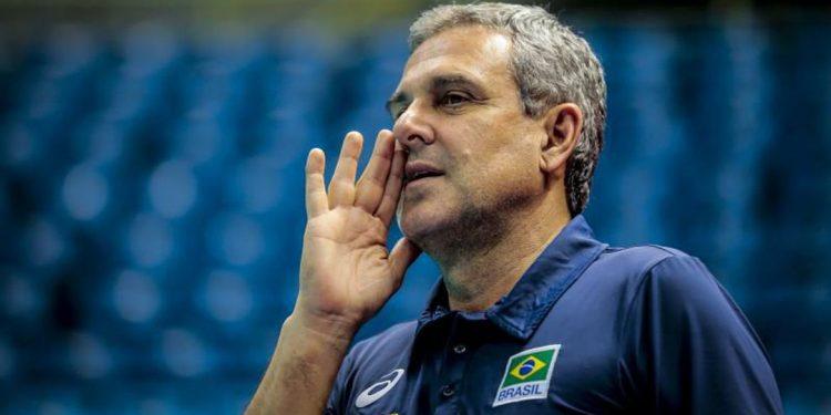 Técnico da seleção brasileira feminina de vôleo, José Roberto. Foto: Agência Brasil