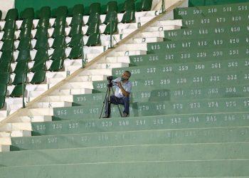 A realidade pandêmica do esporte campineiro inclui arquibancadas vazias. Foto: Thomaz Marostegan/Guarani FC