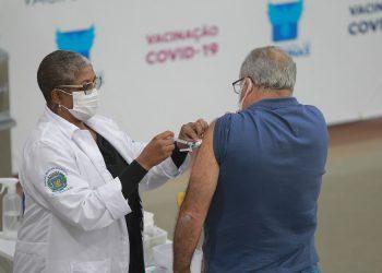 Apenas 0,4% não compareceram para tomar a segunda dose da vacina contra a Covid-19. Foto: Leandro Ferreira/Hora Campinas