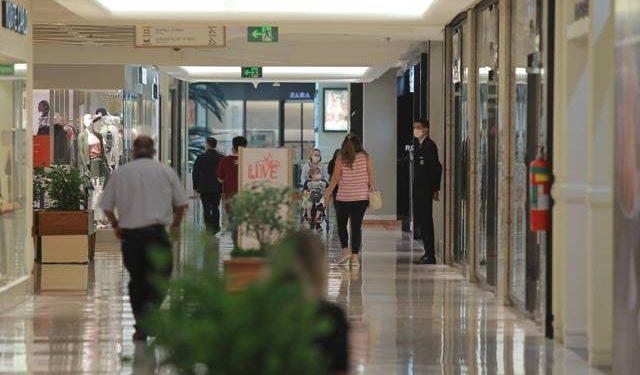 Expectativa de shoppings é que movimento cresça com a ampliação do horário de funcionamento - Foto: Leandro Ferreira/Hora Campina
