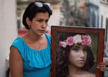 Cubanos têm postado fotos de pessoas que dizem não conseguir localizar ou compartilhando histórias de prisões - Foto: Alexandre Meneguini