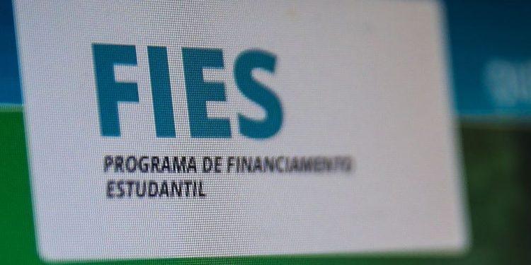 Programa propicia financiamento para estudantes no ensino superior - Foto: Marcello Casal Jr/Agência Brasil