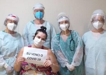 Marta Moreira, no dia em que recebeu alta do Hospital Irmãos Penteado. Foto: Divulgação