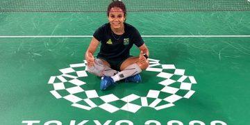 A atleta de Campinas Fabiana da Silva em Tóquio, onde buscará a primeira vitória do Brasil no badminton. Fotos: Reprodução/Redes Sociais