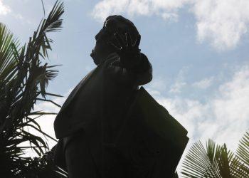 Estátua do maestro em seu monumento-túmulo no Centro de Campinas: personagem icônico Foto: Leandro Ferreira/Hora Campinas