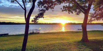 O convite foi aceito pelos leitores do Hora, que enviaram lindas imagens do pôr do sol: aqui, foto de Jose Lazinho, em Três Fronteiras, Mato Grosso do Sul