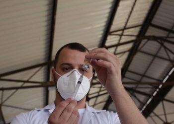 Além dos menores de idade, a vacinação para maiores de 18 anos segue em Hortolândia. Foto: Leandro Ferreira/Hora Campinas