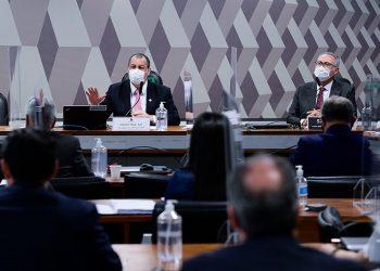 Omar Aziz (esq.) e Renan Calheiros na reunião desta terça, em que depoentes não compareceram Pedro França/Agência Senado